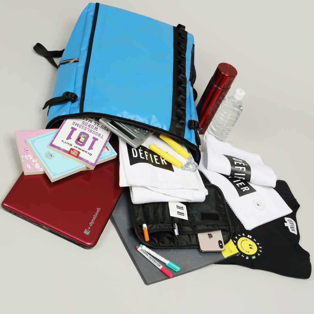 DEFIER-DAY-BAG-BLUE-Lサイズ-使用例