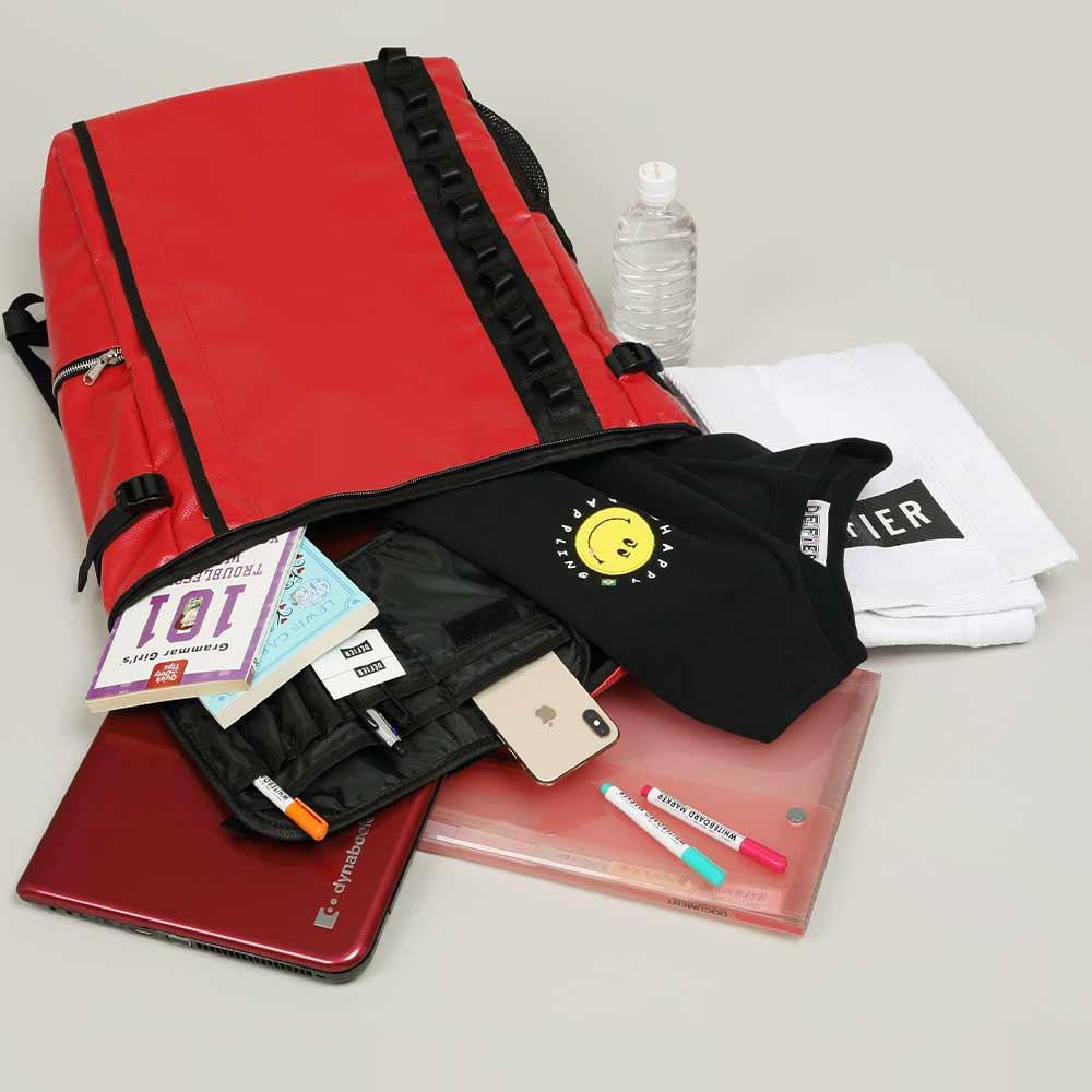DEFIER-DAY-BAG-RED-Mサイズの容量