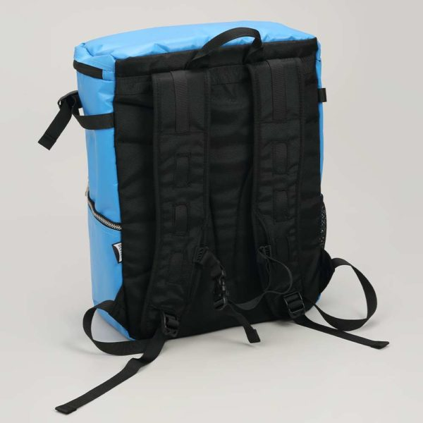 DEFIER DAY BAG -BLUE-青- 背中側